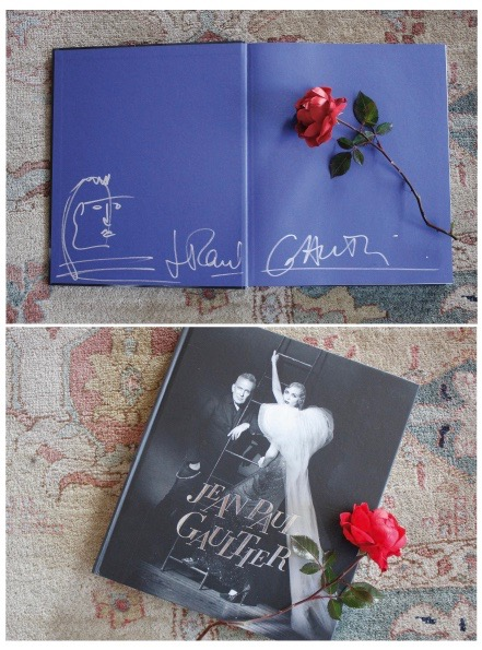 Another item you can win is a signed by Jean Paul Gaultier catalogue from the exhibition in Munich's Kunsthalle der Hypo Vereinsstiftung.